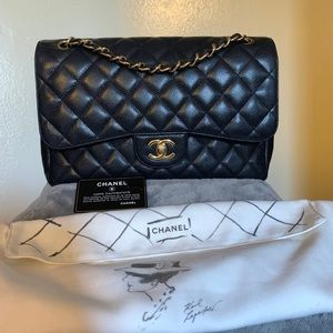 Chanel Classic Double Flap Jumbo in Caviar